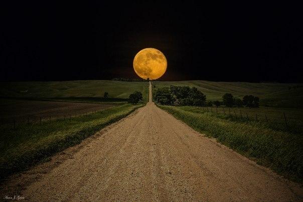 Луна. Дорога