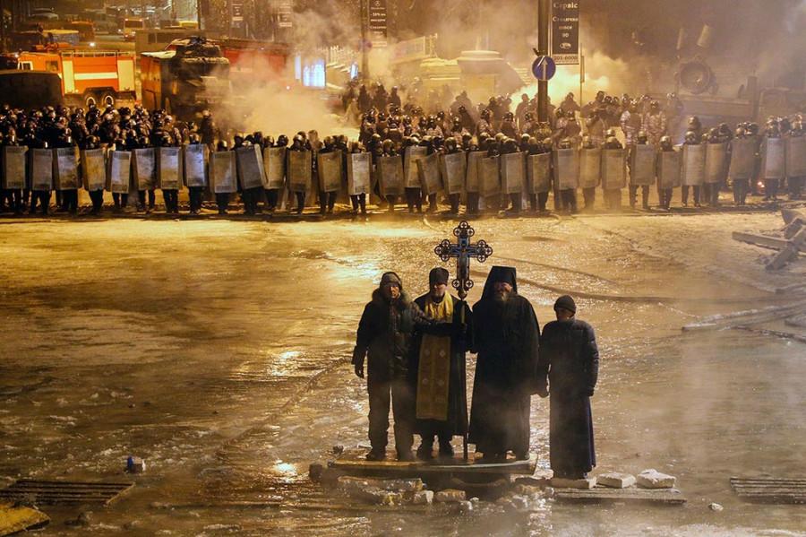 Священники на Майдане...
