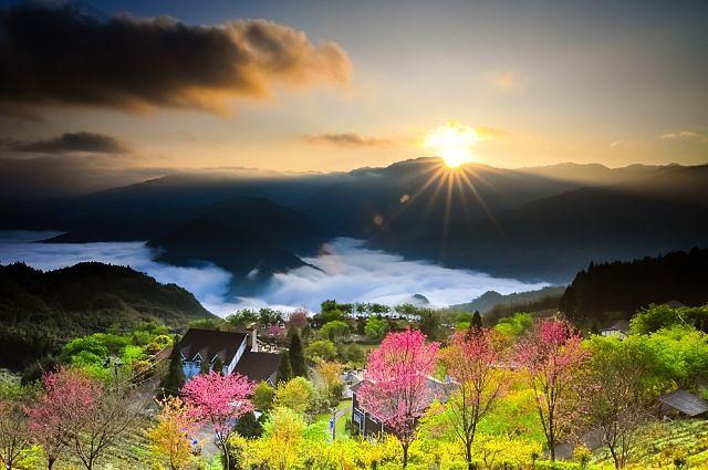 Солнце. Долина