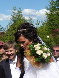Олег Тиньков и жена Рина, свадьба на Байкале, июнь 2009 года. (с) Олег Анисимов