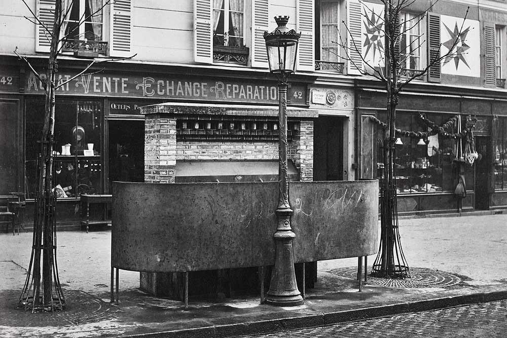 1875. Трехместный писсуар, Бульвар Орнано.jpg