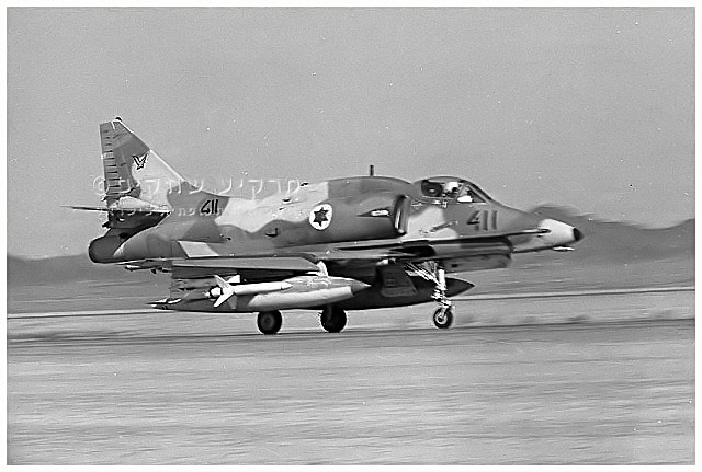 AGM-45_07_A-4_No-411_140sqr.jpg