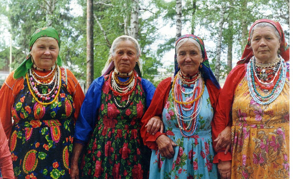 Семейские в традиционных костюмах