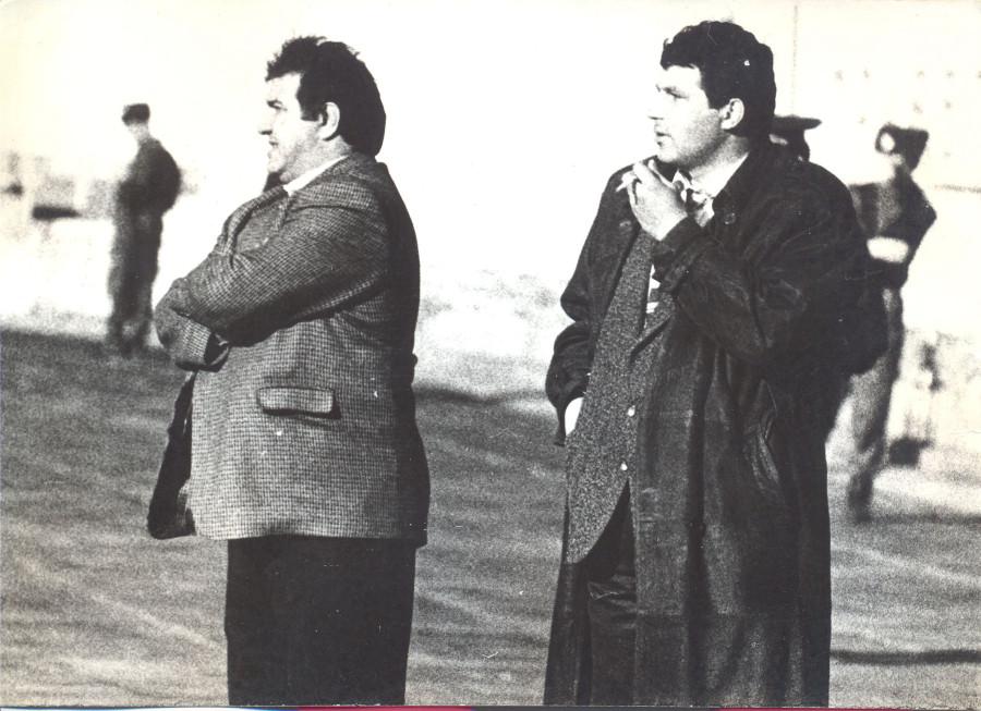 Главный тренер Виктор Кумыков и начальник команды Руслан Беков (1996)