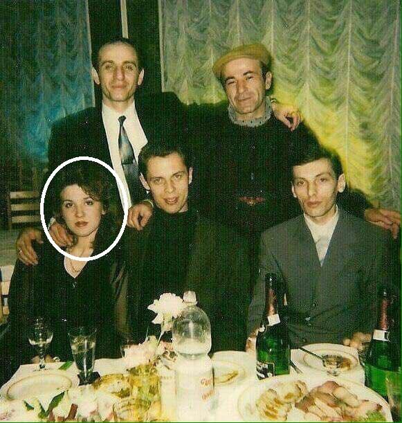 Судья Хахалева с «ворами в законе»? Подробности давних фото. Видео жены вора в