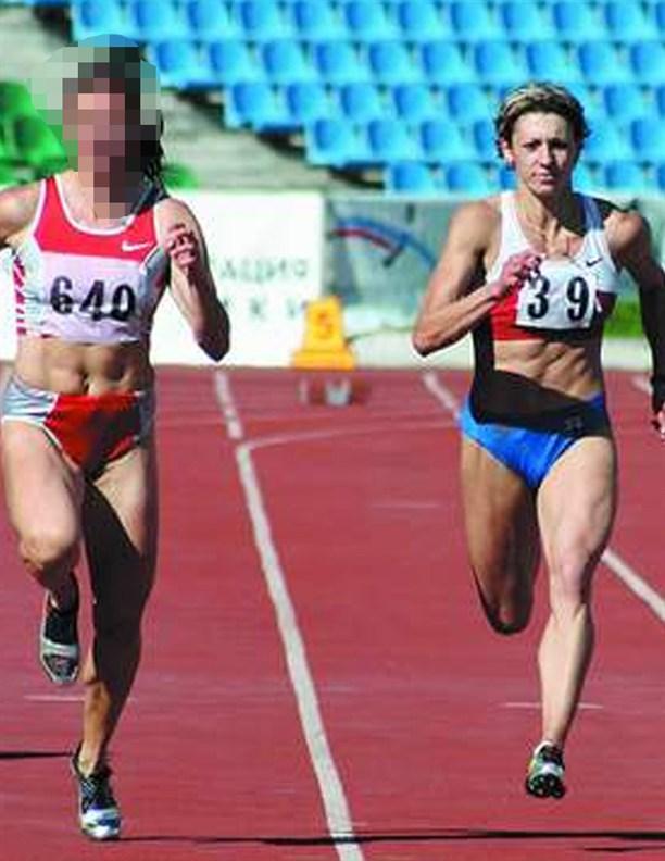 Олимпийская чемпионка Ольга Халандырева справа
