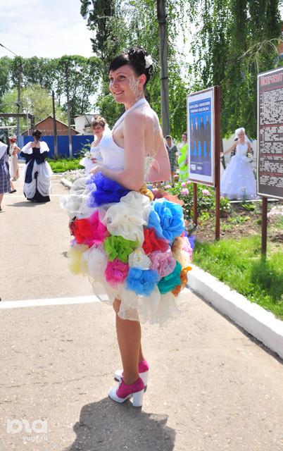 http://ic.pics.livejournal.com/oleglurie_new/45868151/718578/718578_original.jpg