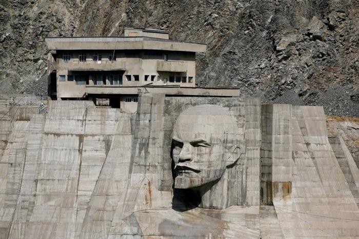 Хороший памятник Ленину, укрепление рубля и конец американской гегемонии
