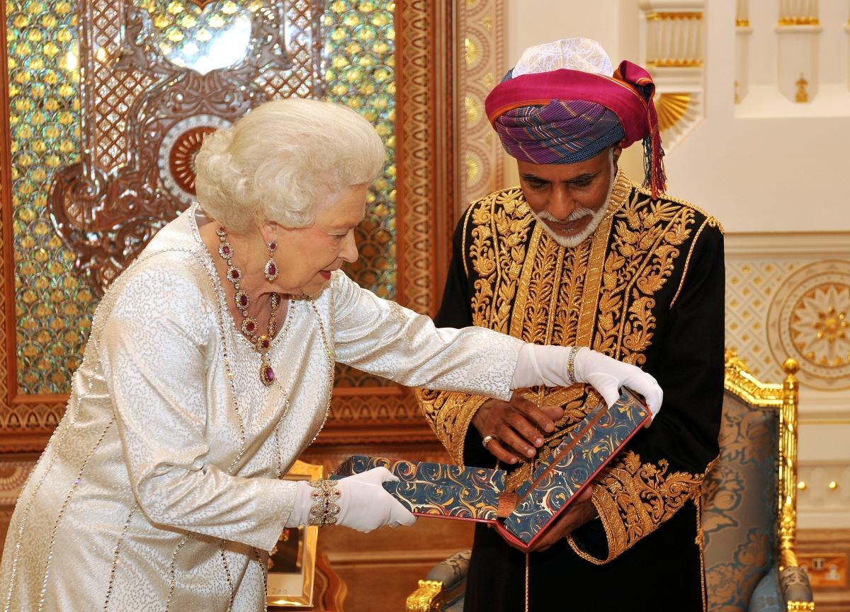 Оманское экономическое чудо, электронные чаевые и различное отношение к