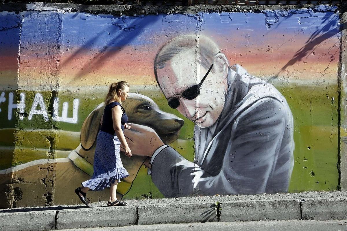 Эпоха беззападности, Ассанж в американском ГУЛАГе и доверие к Путину в США