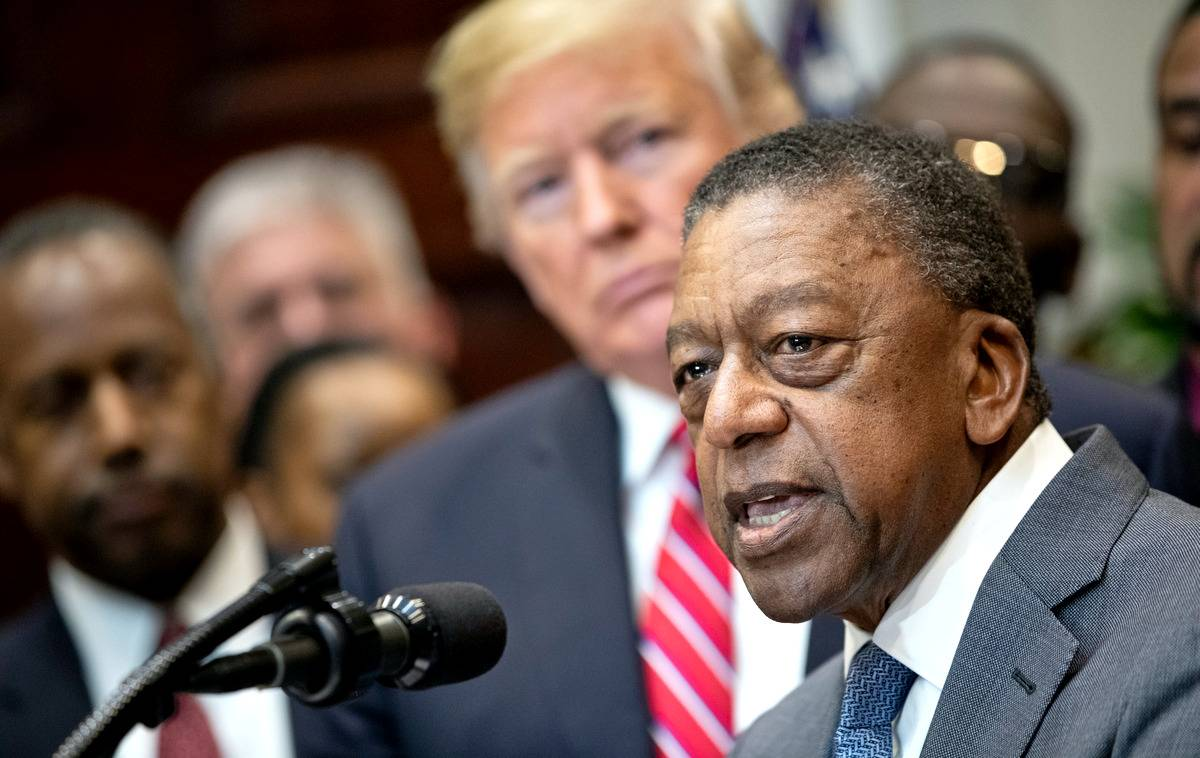 Чёрный миллиардер о Трампе, регуляторная
