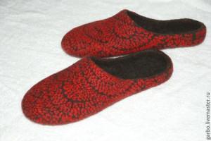 fcb3e11ea3e08327869d72975ae8--obuv-ruchnoj-raboty-tapochki-zhenskie-valyanye.jpg