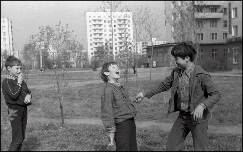 """У нас во дворе"" фото А. Олевского"