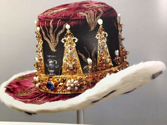 Crown and hat of Prince Karl Gustavus, hereditary Prince of Sweden. Gold, diamonds, sapphires, rubies, pearls and enamel. Made in 1650AD by Jurgen Dargema