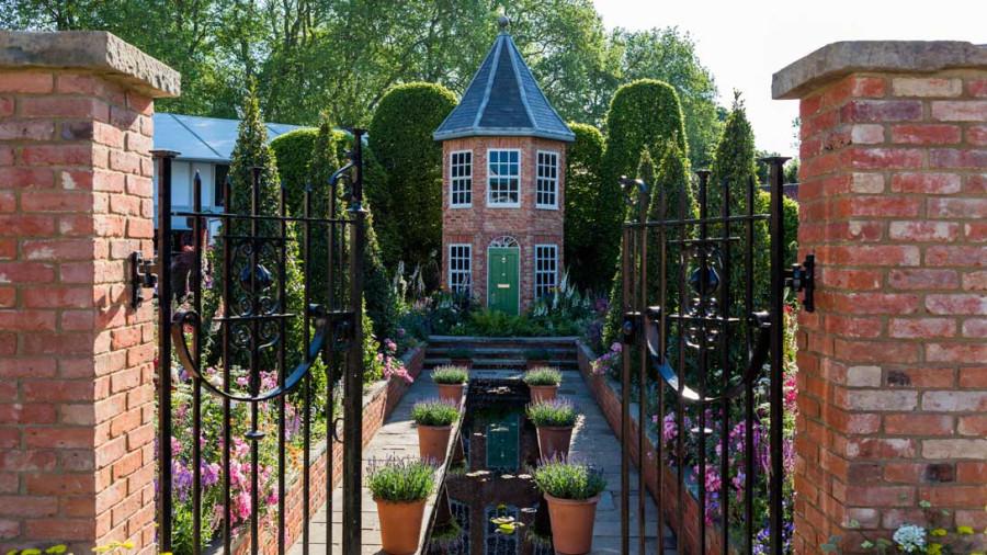 Harrods-British-Eccentrics-Garden-03_1088x612