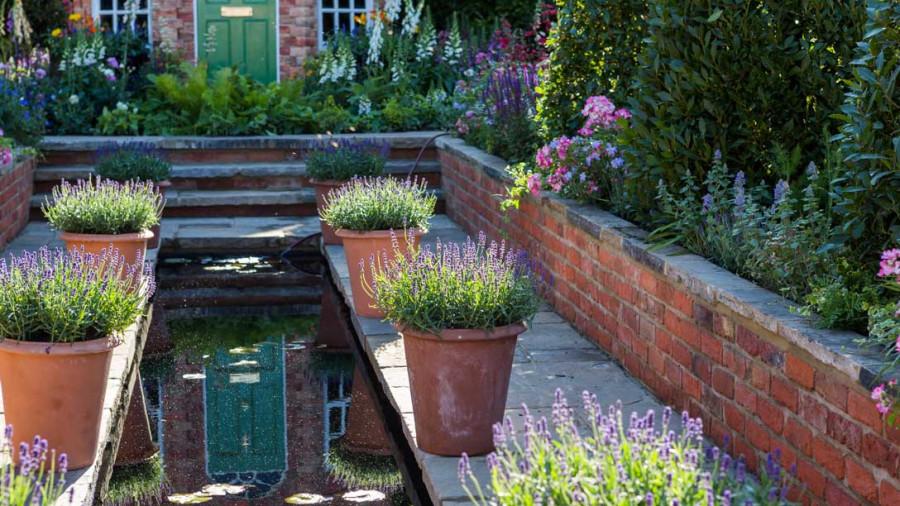 Harrods-British-Eccentrics-Garden-04_1088x612
