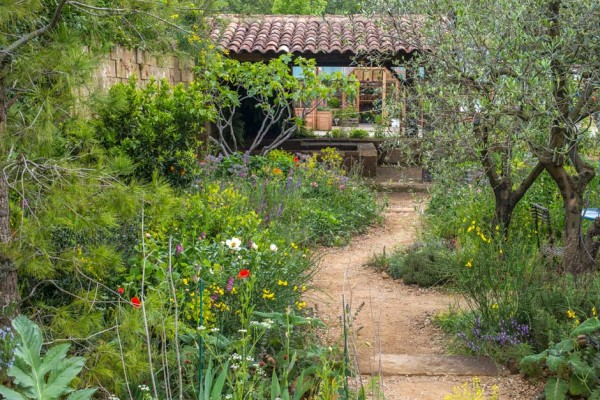 A-Perfumers-Garden-in-Grasse-by-LOccitane-05_940x627