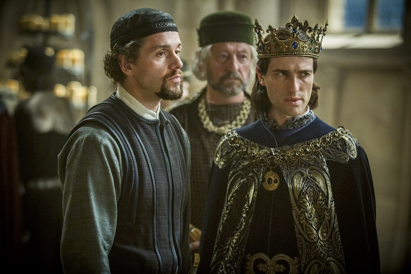 l-r__julian_ovenden_as_william_de_nogaret_and_ed_stoppard_as_king_philip_iv_of_france_in_historys_knightfall_2.jpg