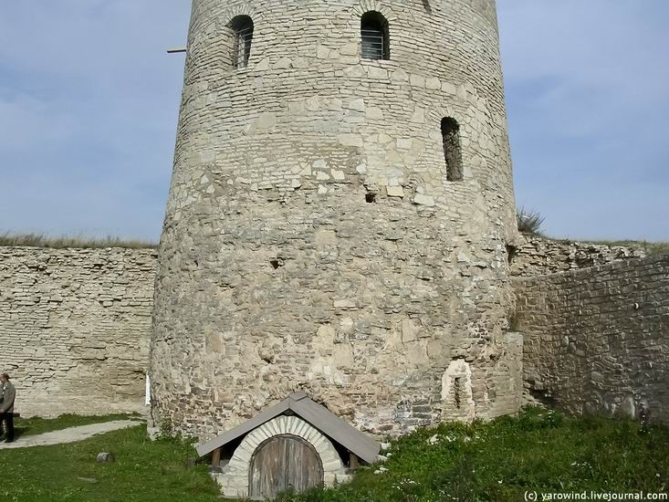 Вид на крепость до реставрации 07