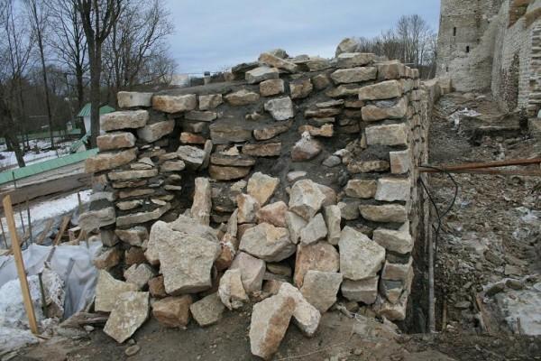Ремонт крепостной стены 05