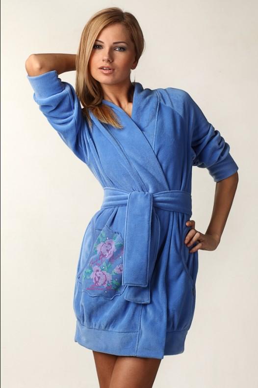 голубой халат