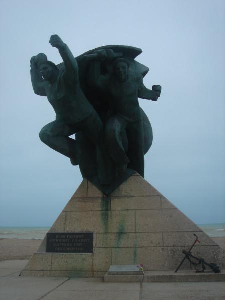 2 Памятник Евпаторийскому десанту на въезде в Евпаторию 1970 г
