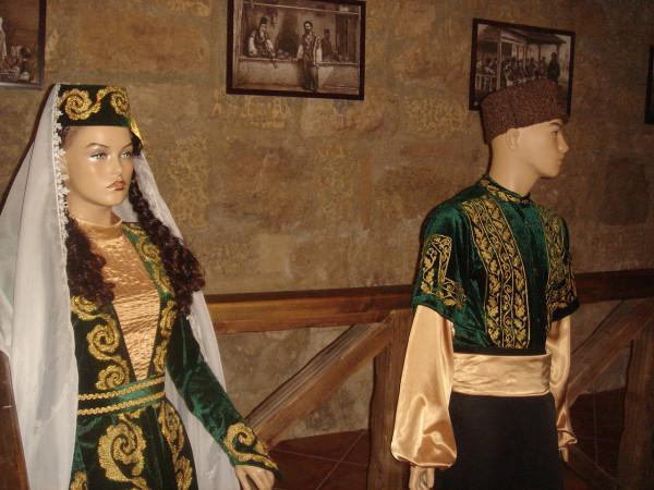 9 Национальные костюмы