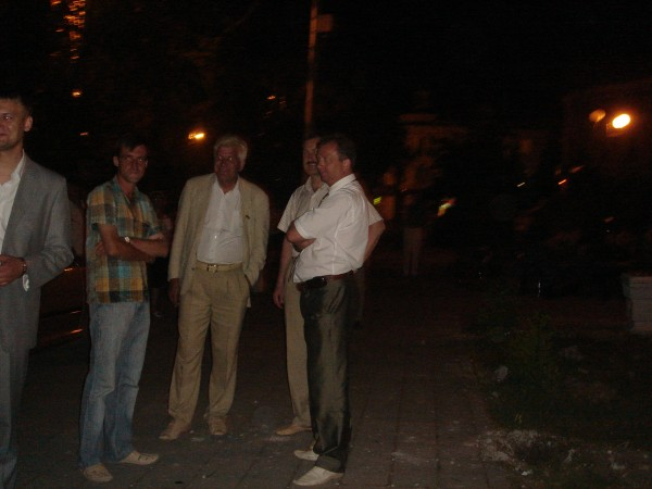 6 охрана в ночь перед открытием