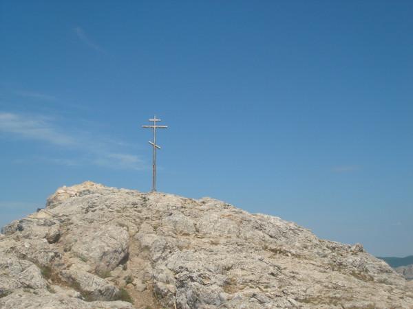 12 крест на вершине Ильяс-Кая