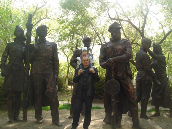 36 скульптуры