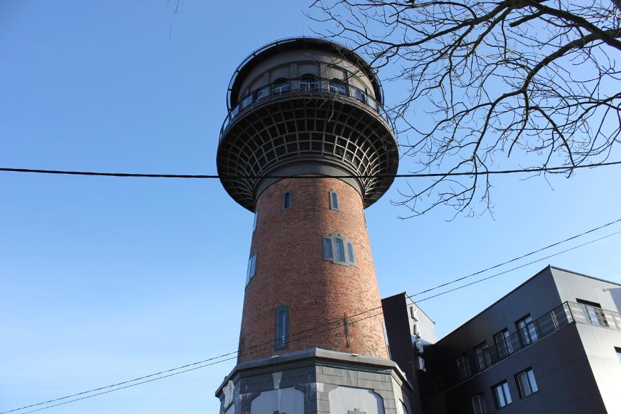 tower1_1.JPG