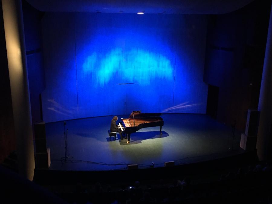 pianist3_1.JPG