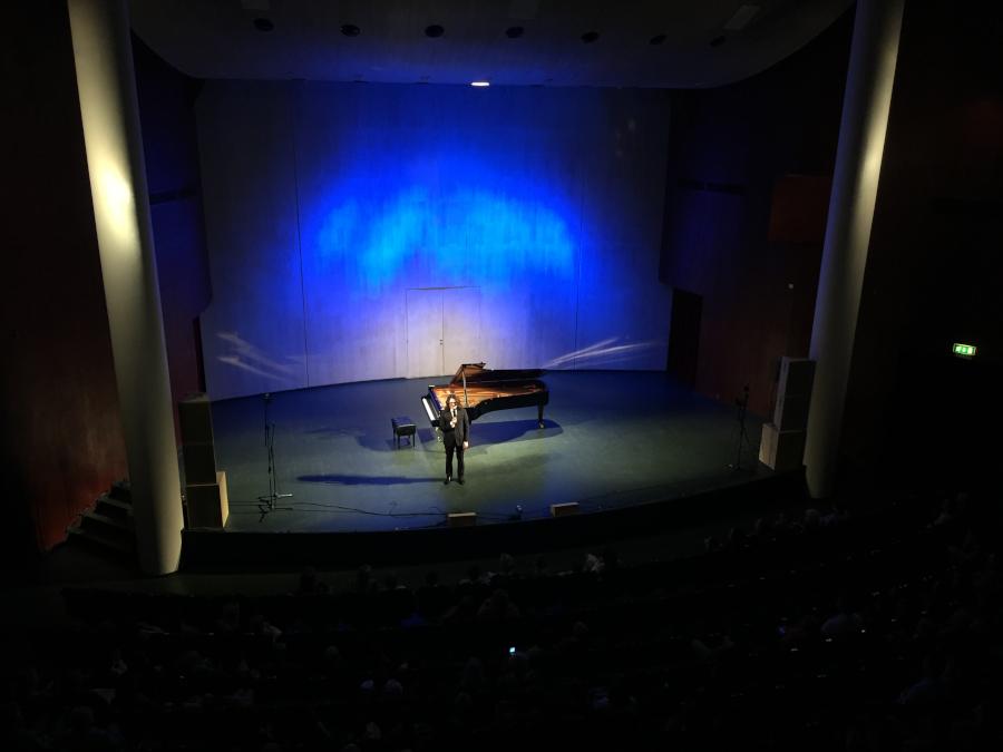 pianist4_1.JPG