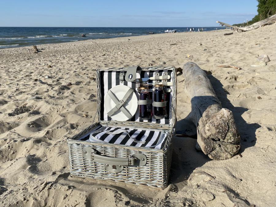 picnic5_1.jpg