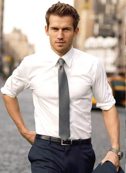 Для мужчины выглядеть и одеваться