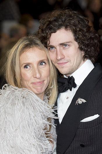 аарон джонсон с женой