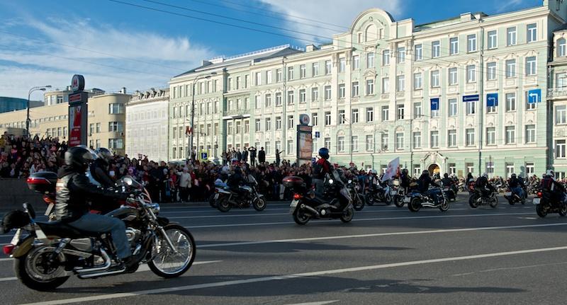 Доставка олимпийского огня в Кремль