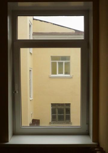Ул. Карбышева, 7. Видъ изъ окна во дворъ.