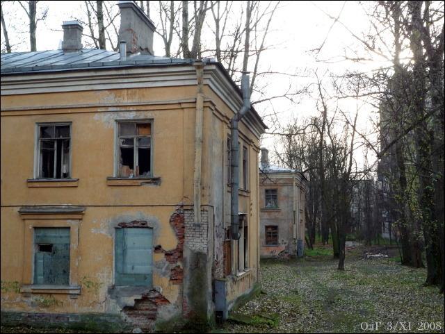 Сибирская ул., 12 и 10