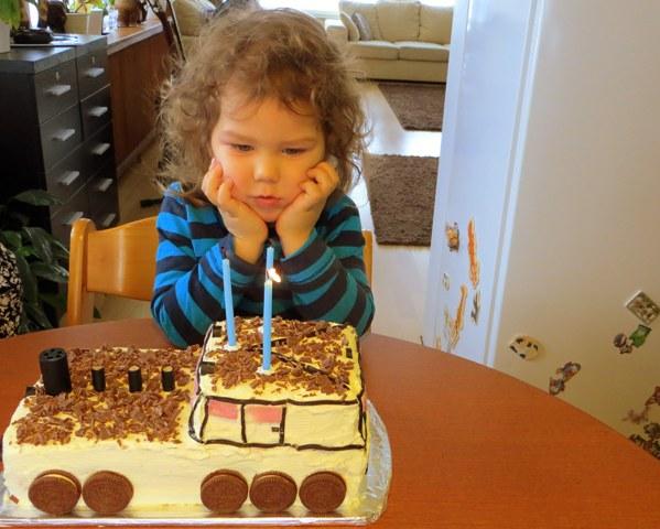 день рождения три года