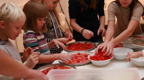 дети на кулинарных курсах