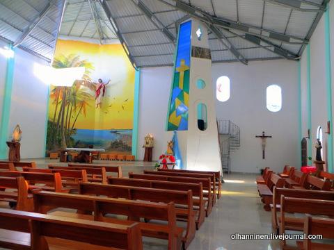 01 внутри церкви