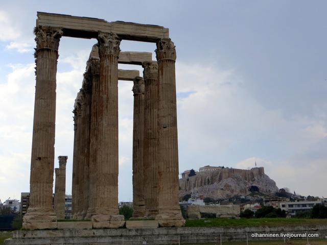 Храм Зевса Олимпийского на фоне Акрополя