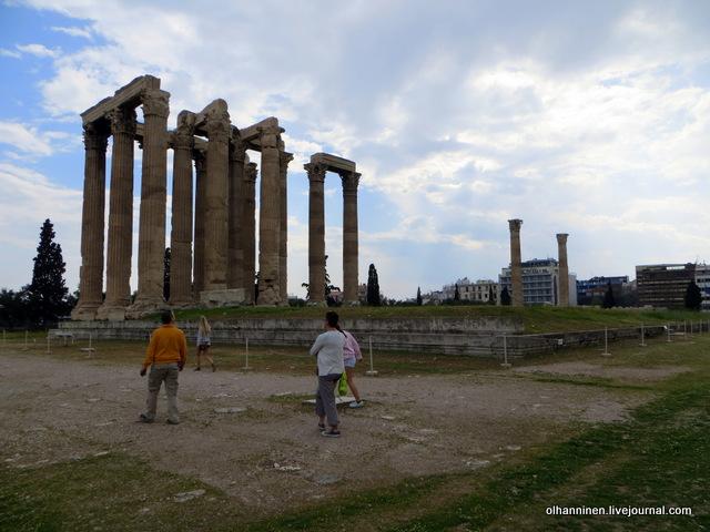 Храм Зевса Олимпийского от входа
