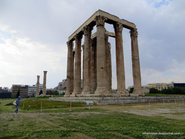 Храм Зевса Олимпийского сбоку