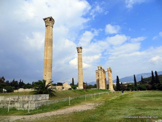 Храм Зевса Олимпийского сзади