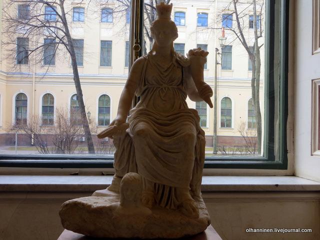 01 Тюхе, богиня судьбы и покровительница городов, римская копия по греческому оригиналу конца IV начала III вв до н.