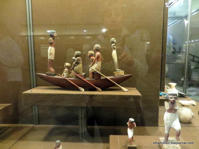 08 египетские статуэтки лодка
