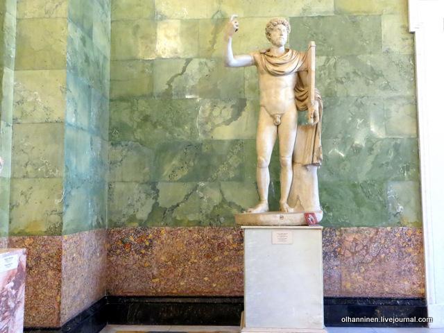 11 Марк Аврелий, римский император 161-180, торс итальянская реставрация XVIII века в подражание греческим статуям атлетов V в.до н.э.