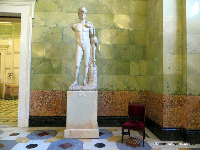 11 Статуя героизированного римлянина I  век